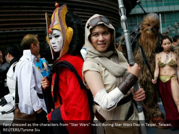Fans dressed as the characters from star wars
