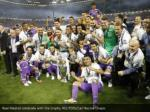 real madrid celebrate with the trophy reuters 1