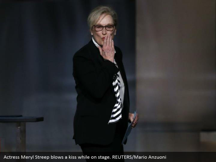 Actress Meryl Streep blows a kiss while on stage. REUTERS/Mario Anzuoni