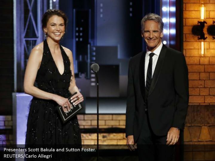 Presenters Scott Bakula and Sutton Foster.  REUTERS/Carlo Allegri