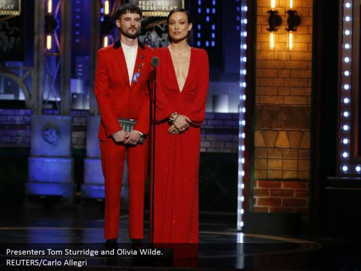 Presenters Tom Sturridge and Olivia Wilde.  REUTERS/Carlo Allegri