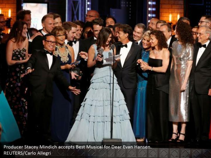 Producer Stacey Mindich accepts Best Musical for Dear Evan Hansen.  REUTERS/Carlo Allegri