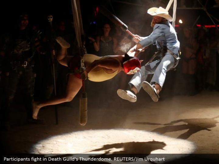 Participants fight in Death Guild's Thunderdome. REUTERS/Jim Urquhart