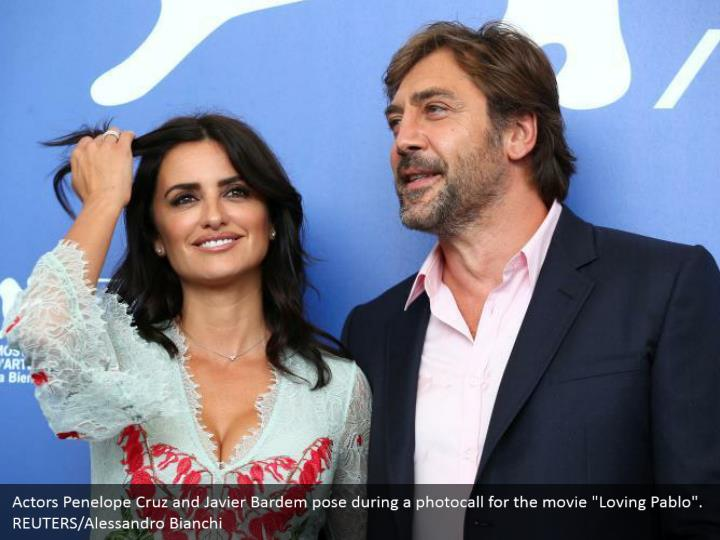"Actors Penelope Cruz and Javier Bardem pose during a photocall for the movie ""Loving Pablo"". REUTERS/Alessandro Bianchi"