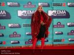 Ppt 2017 Mtv Emas Red Carpet Photos Powerpoint