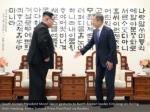 south korean president moon jae in gestures