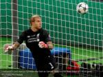 liverpool s loris karius fumbles the ball