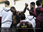 cleveland cavaliers forward lebron james reacts 1