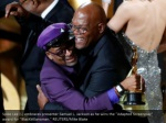spike lee l embraces presenter samuel l jackson