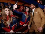 lee pace takes photos with fans reuters mario