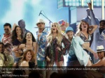 carrie underwood performs southbound